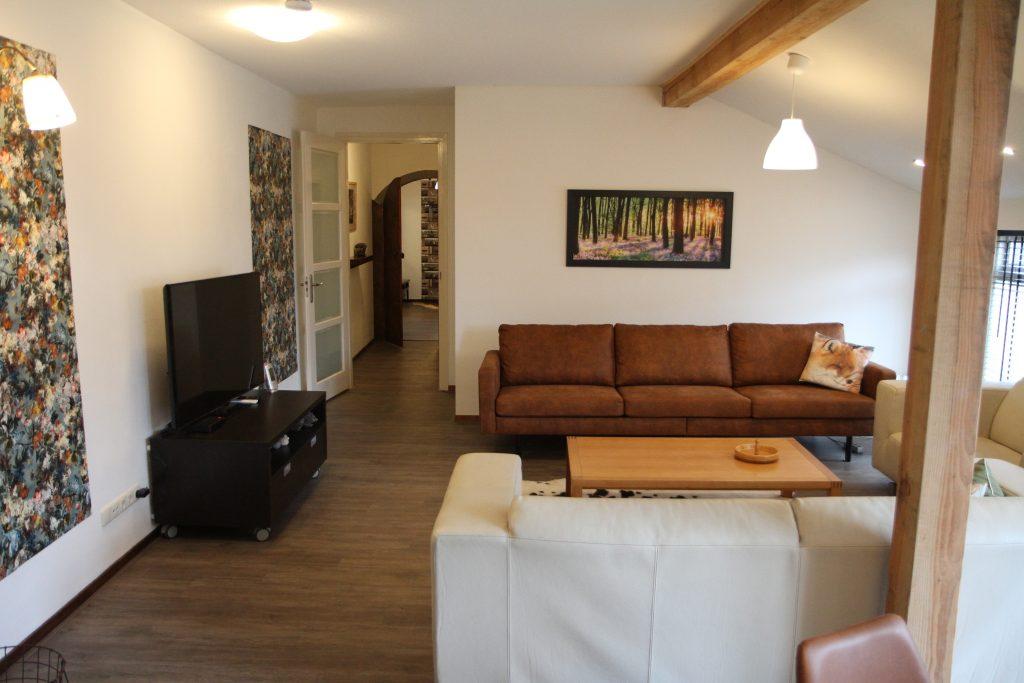 Villa Cordes Woonkamer Televisie